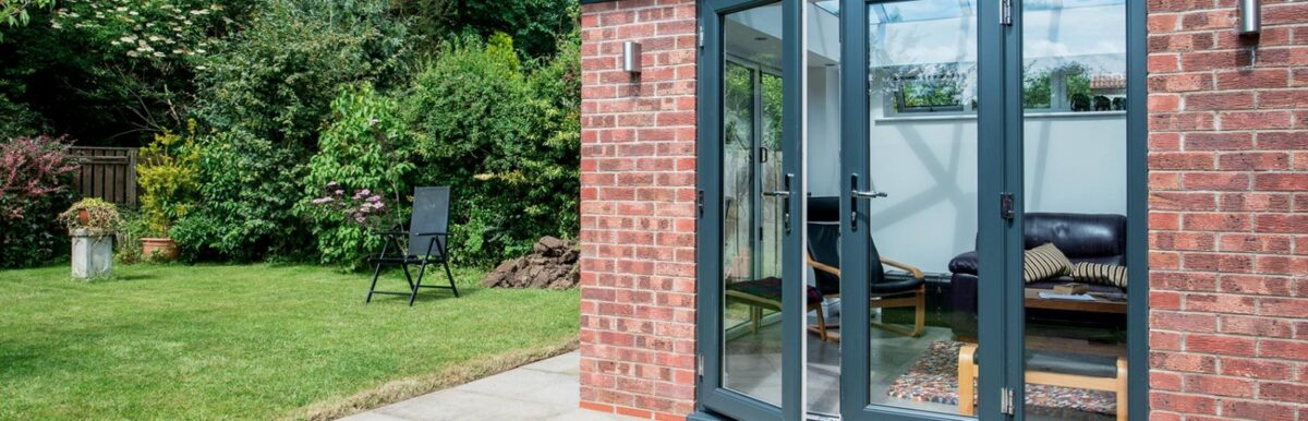 Преимущества алюминиевых входных дверей